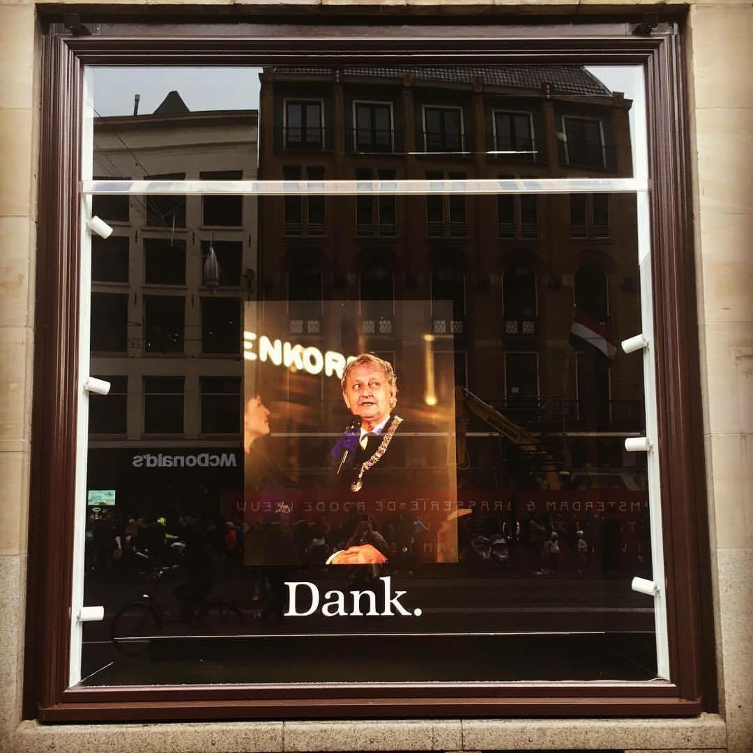 Eerbetoon aan burgermeester Eberhard van der Laan | De Bijenkorf, Amsterdam